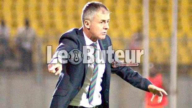 Algérie, Lucas Alcaraz limogé