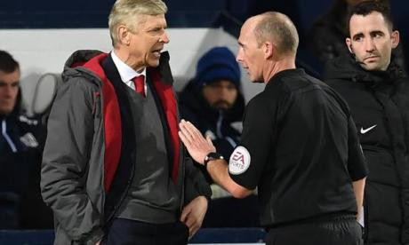Wenger suspendu 3 matches — Arsenal