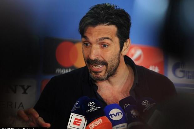 LdC : Buffon détruit l'arbitre et lui donne un conseil énorme