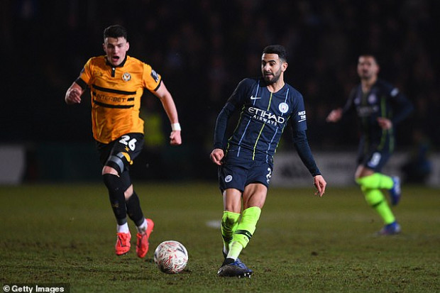 Manchester City: Guardiola s'excuse sur la situation actuelle de Mahrez