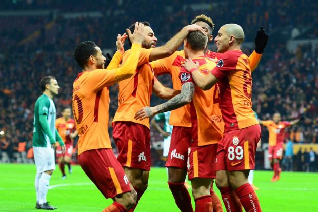 Galatasaray leader grâce au triplé de Gomis — Turquie