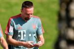 Le joli geste de Ribéry en direction d'un fan algérien