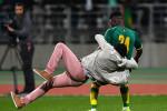 Les images de l'envahissement de terrain qui a mis un terme au match Côte d'Ivoire-Sénégal (Photos)