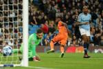 Man City chute à domicile face à l'Olympique Lyonnais. Mahrez joue un quart d'heure