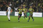 Fenerbahçe se fait de nouveau remonter. Slimani maladroit devant les buts