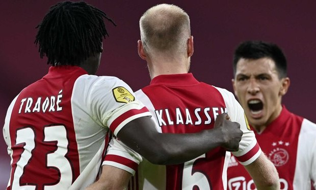 11 cas de Covid à l'Ajax !