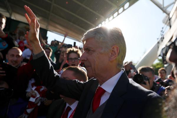 International : PSG: l'option Wenger toujours envisagée